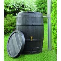 Réservoir tonneau Vino dans un jardin pour la récupération d'eau de pluie