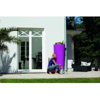 Réservoir 350 L Color Cassis Garantia sur une terrasse