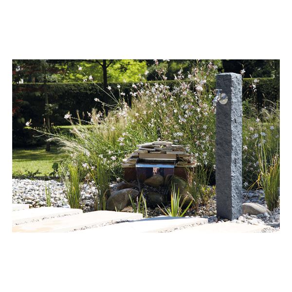 Fontaine Granit Garantia pour jardin aspect pierre naturelle en PE