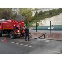 Citerne souple 30 m³ défense incendie sortie coudée en test avec les pompiers